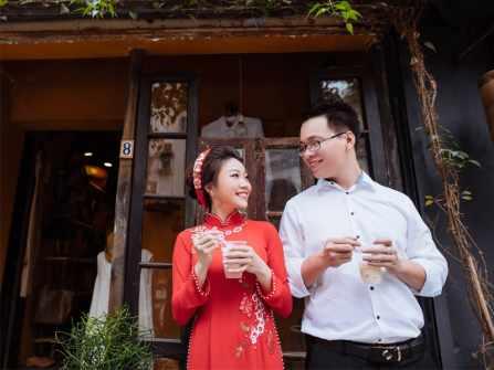4 xu hướng cổ áo dài đẹp nhất cho cô dâu 2018