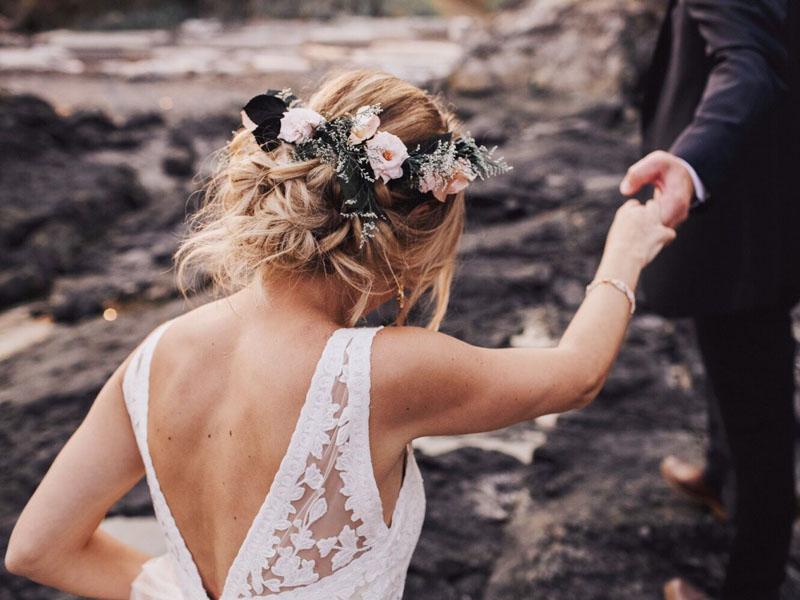 Các kiểu tóc búi rối cho cô dâu