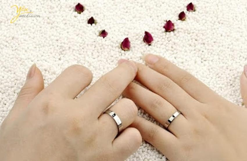 Nhẫn nữ đeo ngón áp út Marry