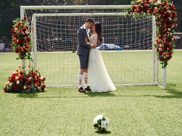 Bộ ảnh cưới mùa World Cup cực đáng yêu của cô dâu Việt và chú rể Pháp