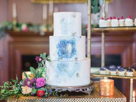 11 mẫu bánh kem đám cưới không bao giờ lỗi thời