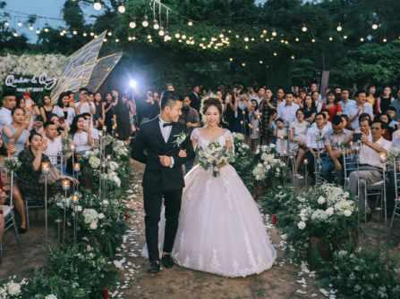 6 bài nhạc nền khi cô dâu chú rể lên sân khấu phổ biến nhất