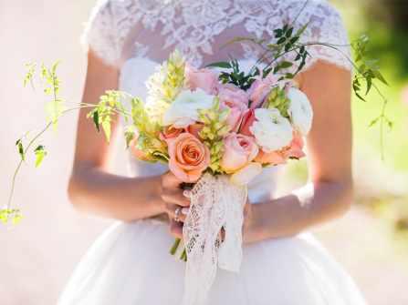 Tuyệt chiêu sở hữu hoa cưới cầm tay