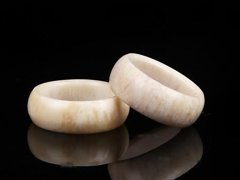 mẫu nhẫn cưới đơn giản sang trọng 6