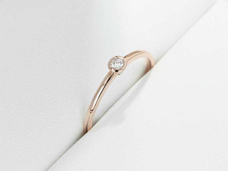mẫu nhẫn cưới đơn giản sang trọng 7