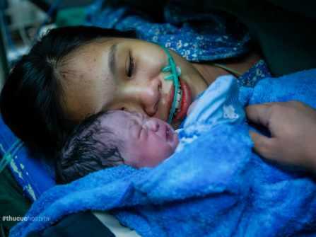 Sinh mổ   Giọt nước mắt hạnh phúc của người làm Mẹ   Mẹ Linh Trang