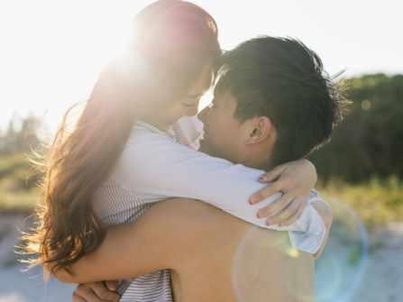"""10 câu hỏi """"thần thánh""""giúp các cặp vợ chồng yêu nhau như ngày đầu"""