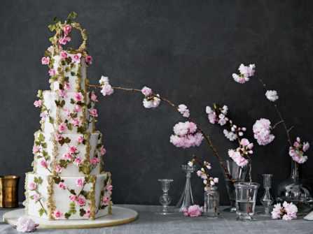 20 mẫu bánh cưới hoa tươi nhiều tầng đặc biệt 'sang chảnh'