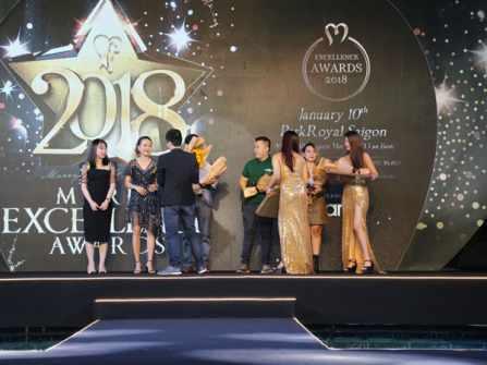 Choáng ngợp hiệu ứng ánh sáng huyền ảo đêm khai mạc Marry Excellence Awards 2018