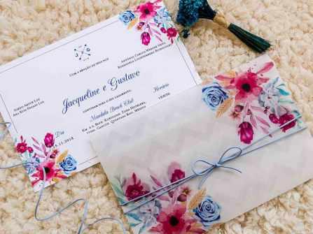 Độc đáo thiệp cưới bằng nhựa trong in họa tiết bắt mắt