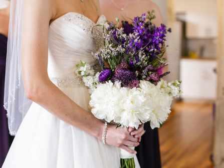 Hoa cưới tháng 2: Nàng hoa violet dịu dàng thủy chung