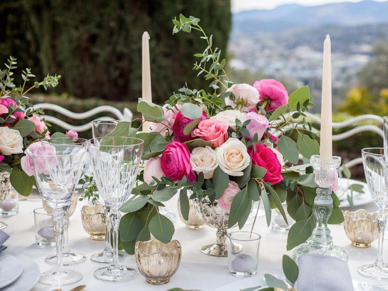 hoa hồng trang trí bàn tiệc 10