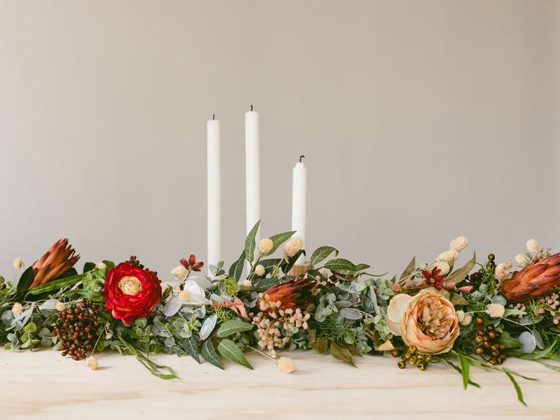 hoa hồng trang trí bàn tiệc 3