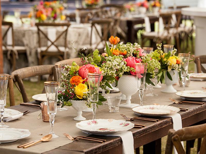 hoa hồng trang trí bàn tiệc 5
