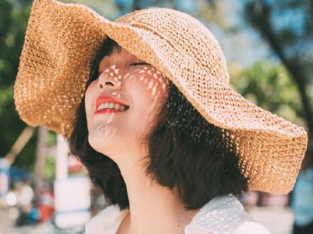 """Công thức chăm sóc tóc hiệu quả cho những ngày """"nắng vỡ đầu"""""""