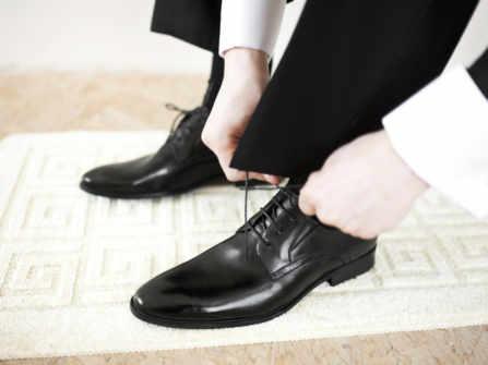 Những nguyên tắc chọn trang phục giúp chú rể nổi bật trong ngày cưới