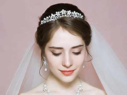 Những kiểu tóc cho cô dâu tóc ngắn siêu hot trong năm 2020