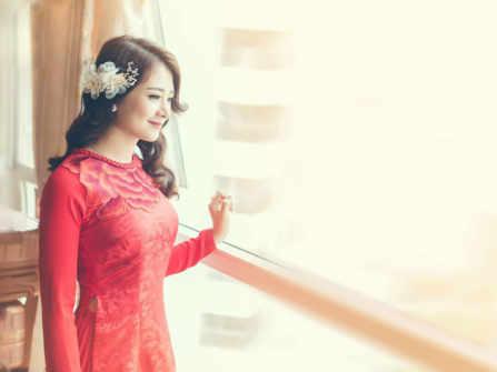 5 bí quyết chọn áo dài cưới cho cô dâu mảnh khảnh
