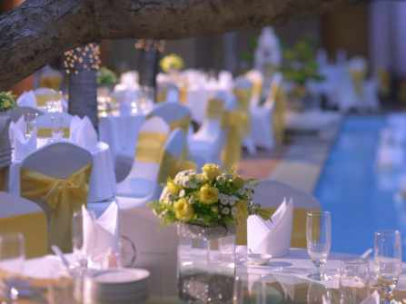 Tiệc cưới ngoài trời lãng mạn tại PARKROYAL Saigon