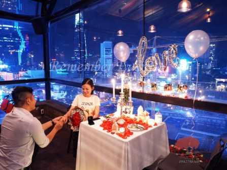 Trang trí tiệc cầu hôn lãng mạn tại nhà hàng