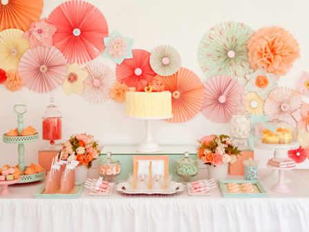 Những ý tưởng trang trí đám cưới với màu cam đào và xanh bạc hà