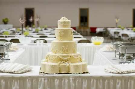 Bánh cưới giả - sự lựa chọn ngày càng được yêu thích