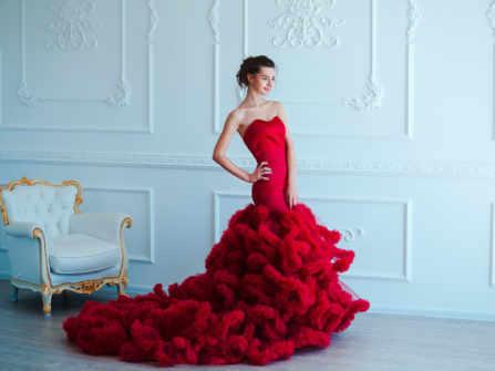 8 kiểu váy cưới đỏ hiện đại giúp bạn trở thành ngôi sao của đêm