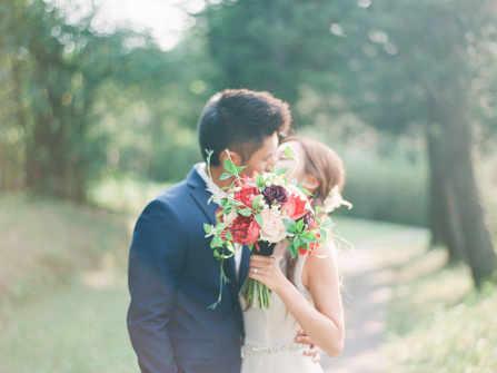 Mọi điều bạn nên biết về hoa lụa sử dụng trong trang trí đám cưới của bạn