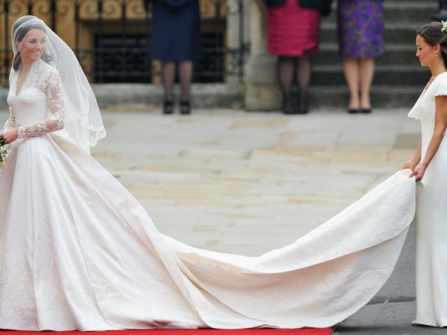 Top 10 mẫu váy cưới đắt nhất mọi thời đại