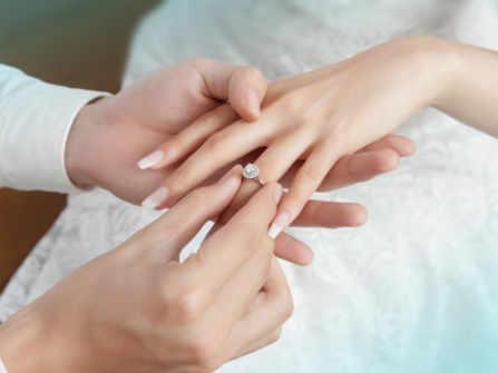 Xu hướng nhẫn đính hôn các cặp đôi không nên bỏ lỡ trong năm 2020