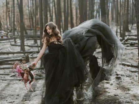 25 mẫu váy cưới màu đen đẹp ấn tượng dành cho cô dâu táo bạo