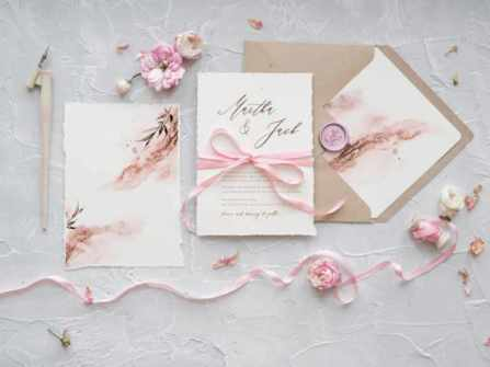 6 mẫu thiệp cưới phong cách nhẹ nhàng mà nàng thơ nhất định phải cân nhắc cho đám cưới của mình 2020