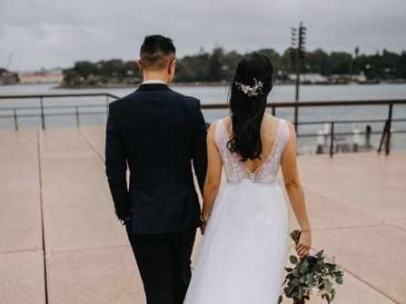 Cặp đôi cô dâu chú rể trong trang phục của Áo Cưới Royal