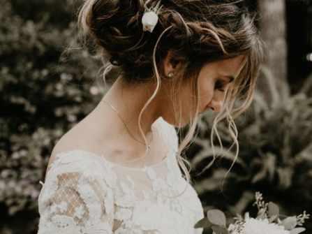 """10 kiểu tóc đẹp mê mẩn giúp cô dâu tỏa sáng, đặc biệt là gợi ý búi tóc để tránh bị """"dừ"""""""