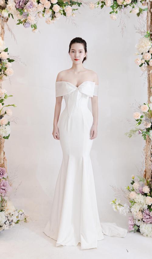 Chiếc váy được làm từ chất liệu satin cao cấp Hàn Quốc