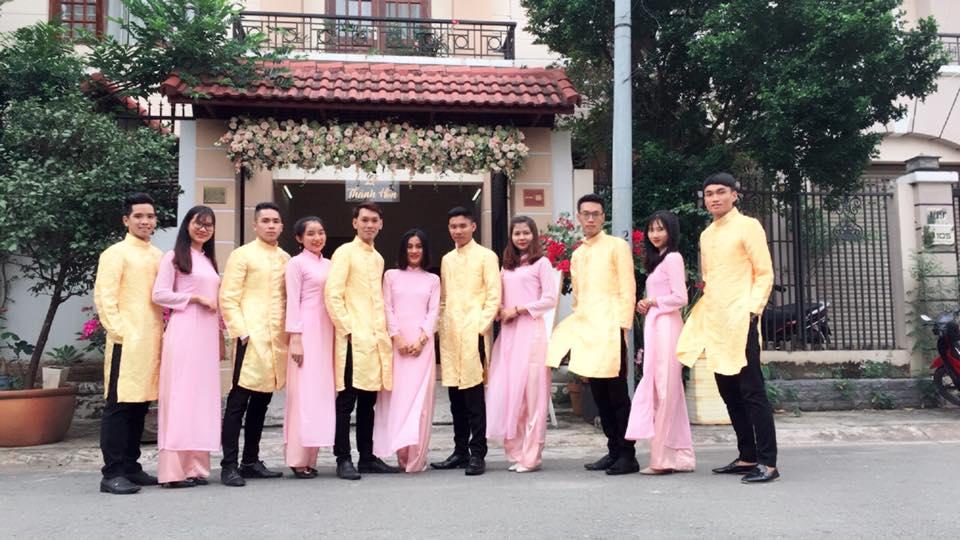 Áo dài bê tráp màu vàng cho nam Marry
