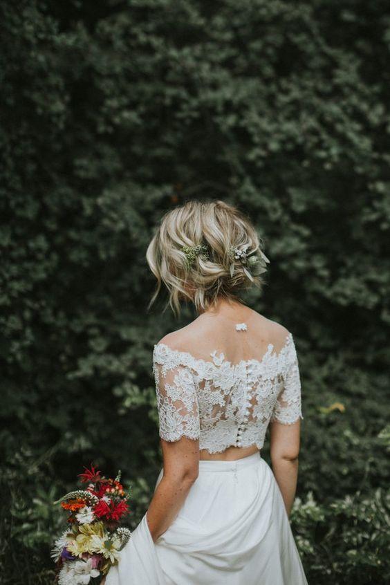 Kiểu tóc ngắn xinh xắn cho cô dâu mặt tròn Marry