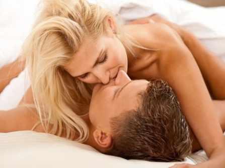 """Khả năng """"nhịn"""" quan hệ của đàn ông và khi """"bể đầy tràn"""" thì..."""