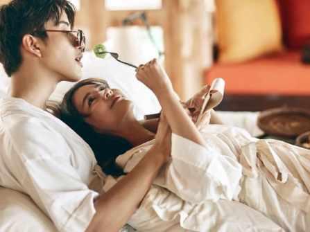 """5 tuyệt chiêu """"làm nũng"""" mà phụ nữ nên biết để quyến rũ chồng"""