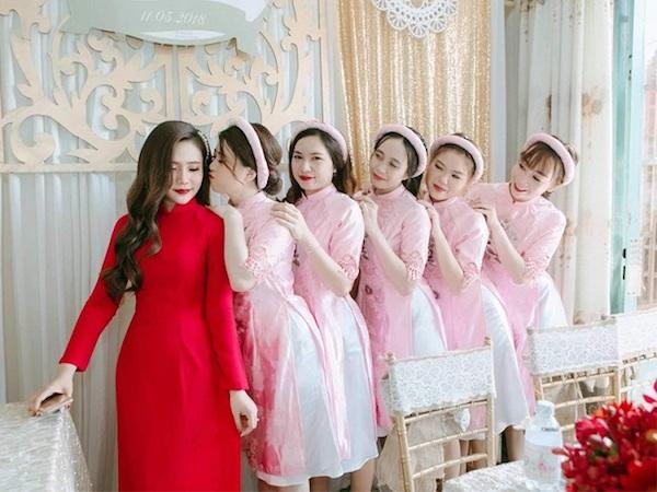 Áo dài cô dâu và phụ dâu tông pastel Marry