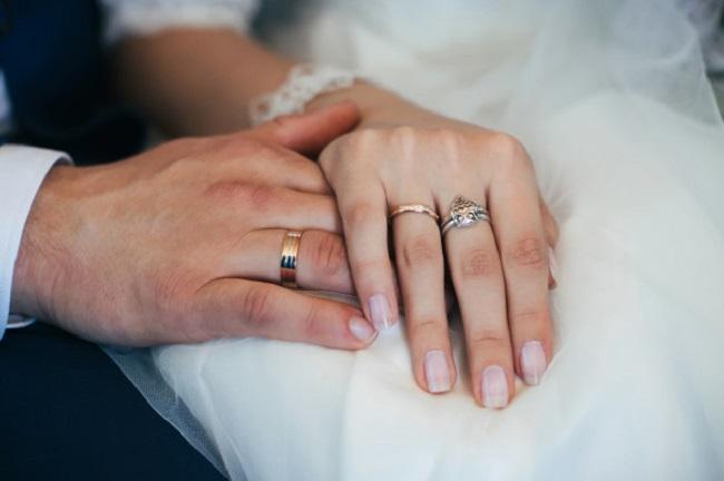 Ngón tay áp út dành cho người mà bạn yêu Marry