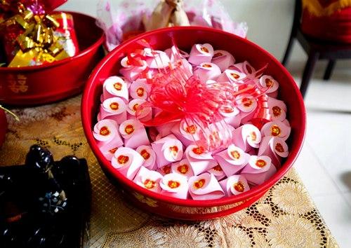 Gợi ý mẫu tráp bánh kẹo đẹp cho lễ ăn hỏi 2020 Marry