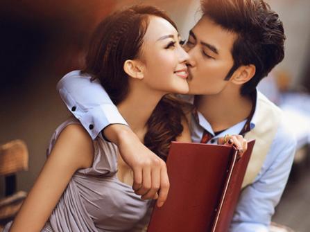 8 biểu hiện vợ chồng cực kì yêu nhau, vợ chồng bạn có mấy điểm