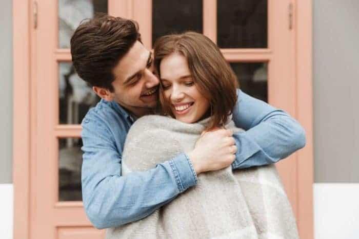 Đàn ông khi yêu thật lòng sẽ vì bạn làm 7 điều này Marry