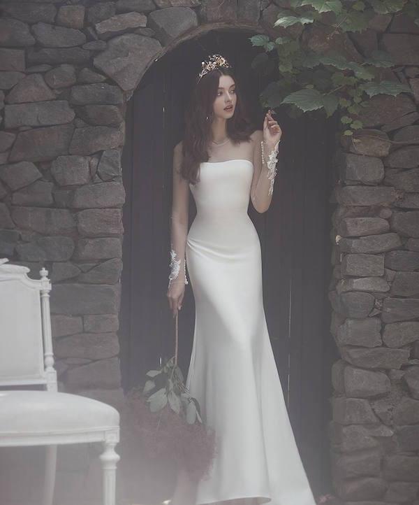 Đầm cưới suông sang trọng Marry