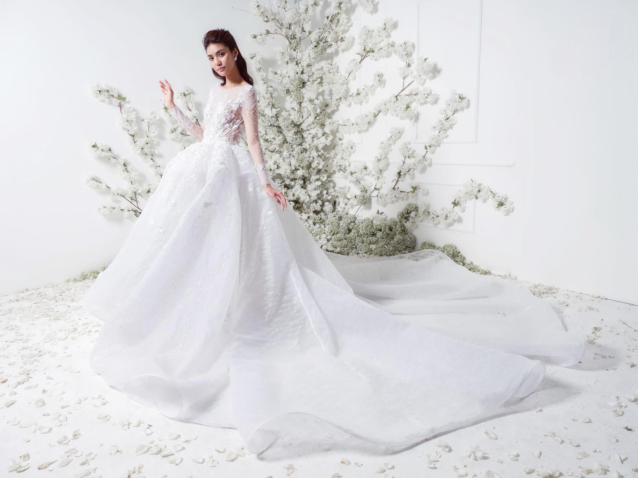Tại sao nên chọn đầm cưới đơn giản? Marry