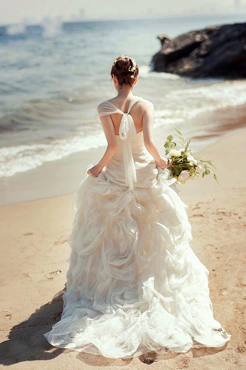 Váy cưới đơn giản sang trọng thắt nơ 3 Marry