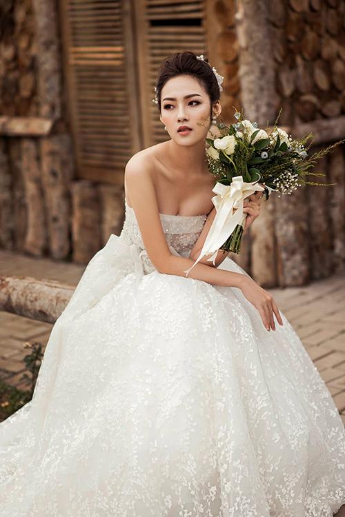 Váy cưới đơn giản sang trọng cúp ngực Marry
