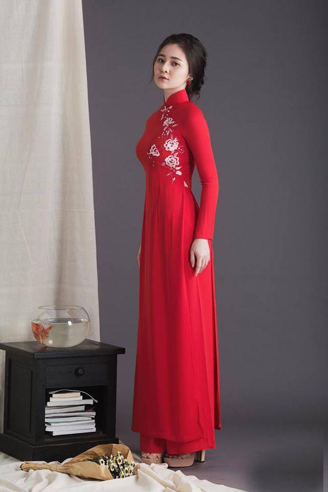 Áo dài cưới màu đỏ đơn giản Marry