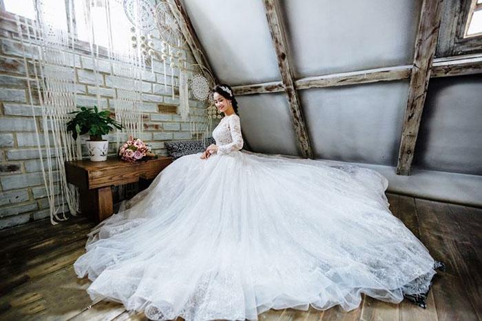 Váy cưới đơn giản sang trọng cổ điển 2 Marry